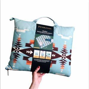 New PENDLETON Packable Outdoor Blanket Pattern